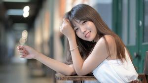 Model Smile Depth Of Field Brunette 2048x1365 Wallpaper