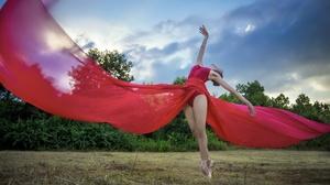 Women Outdoors Women Outdoors Model Ballerina Dancer Dancing Arms Up Tiptoe Standing Ballet Slippers 2048x1324 Wallpaper