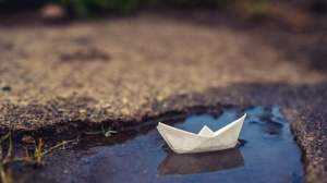 Puddle Boat 3840x2160 wallpaper