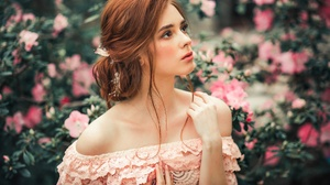 Brown Eyes Depth Of Field Girl Redhead Woman 2048x1365 Wallpaper