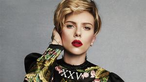 Actress American Blonde Lipstick Scarlett Johansson Short Hair 2500x1406 Wallpaper