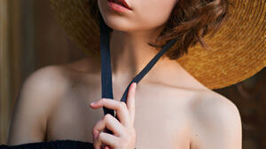 Sergey Fat Women Olya Pushkina Brunette Short Hair Wavy Hair Makeup Eyeliner Hat Straw Hat Looking A 1372x1920 Wallpaper