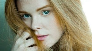 Abigail Cowen Women Actress Redhead Green Eyes Model Long Hair Women Indoors 909x1280 Wallpaper