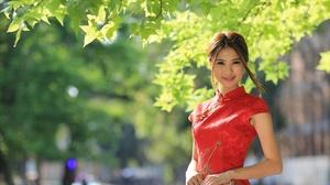 Model Depth Of Field Kimono Smile Brunette Brown Eyes 2048x1365 Wallpaper