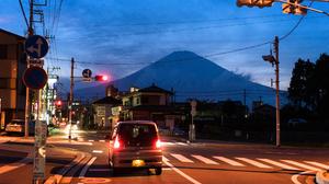 Japan City Urban Tokyo Mount Fuji Sunrise City Lights Traffic Lights Traffic Signs Street Car Vehicl 2048x1152 Wallpaper