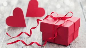 Bokeh Gift Heart Love 5616x3744 Wallpaper