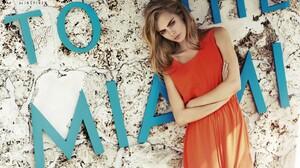 Cara Delevingne English Actress Model Blonde Orange Dress 2647x1766 Wallpaper