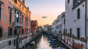 Venice Italy Canal 3840x2160 Wallpaper