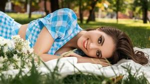 Brunette Girl Makeup Smile 2000x1125 wallpaper