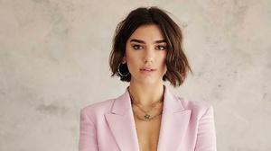 Girl Singer English Short Hair Necklace Brunette 2000x1125 Wallpaper