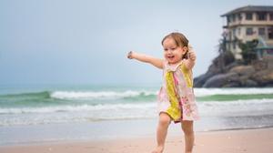 Beach Child Cute Mood Ocean Wave 2560x1600 Wallpaper