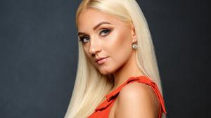 Woman Blue Eyes Blonde Long Hair 2399x1848 Wallpaper