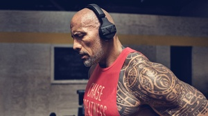 Headphones Tattoo Actor Muscle American 3000x1951 Wallpaper