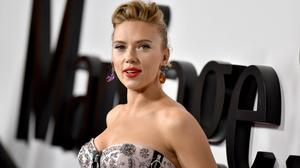 Actress American Blonde Earrings Lipstick Scarlett Johansson 3000x1997 Wallpaper