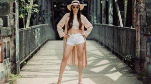 Carina Cara Hat Sunglasses 2048x1313 Wallpaper