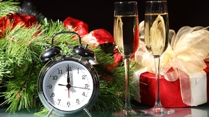 Champagne Christmas Clock Gift New Year 1600x1067 Wallpaper
