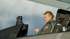 Emma Stone Aloha Aircast Movie Screenshots Film Stills Women Blonde Vehicle Aircraft Actress Celebri 2560x1440 Wallpaper