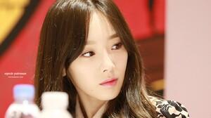Asian Women Kim Taeyeon Brunette Brown Eyes Looking Away Wavy Hair 1400x900 Wallpaper