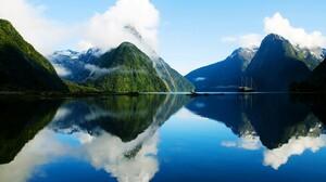 Mountain Reflection Cloud Lake New Zealand Milford Sound Fjord Mitre Peak 2800x1700 wallpaper