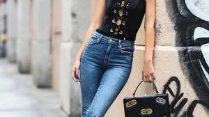 Victoria Justice Women Actress Singer Long Hair Brunette Latinas Choker Jeans Urban Street Graffiti 970x1400 Wallpaper