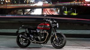 Triumph Motorcycle 4096x2731 Wallpaper