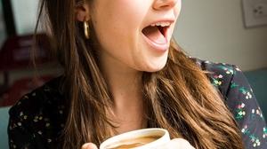 Molly Gordon Women Actress Coffee Wink Cup Black Nails Open Mouth 853x1280 Wallpaper