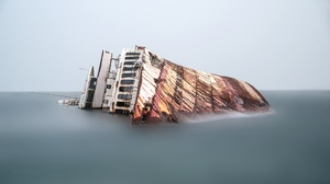 Ship Water Wreck 2048x1152 Wallpaper