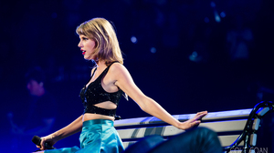 Taylor Swift Women Singer Blonde Blue Eyes Concerts Lipstick 1920x1080 Wallpaper