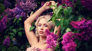 Blonde Blue Eyes Girl Lilac Model Pink Flower Woman 3000x2000 Wallpaper