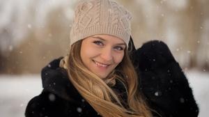 Woman Smile Blonde Hat Blue Eyes Depth Of Field 2560x1600 wallpaper