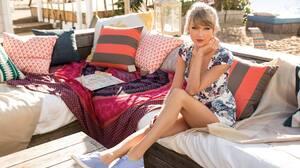 Music Taylor Swift 2048x1365 Wallpaper