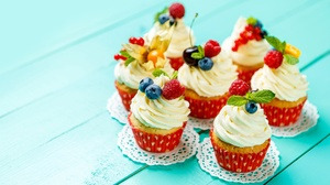 Cream Cupcake Dessert 4872x3222 Wallpaper