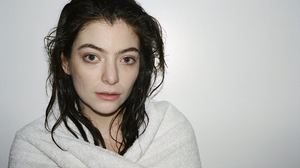 Lorde Music Women Portrait Dark Hair Simple Background 2048x1358 Wallpaper