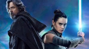 Daisy Ridley Lightsaber Luke Skywalker Mark Hamill Rey Star Wars Star Wars Star Wars The Last Jedi 1920x1280 Wallpaper