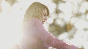 American Blonde Singer Taylor Swift 3000x1908 Wallpaper