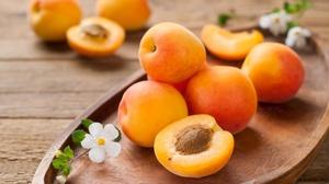 Apricot Fruit 2000x1500 Wallpaper