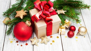 Christmas Christmas Ornaments Gift Still Life 3889x2357 Wallpaper