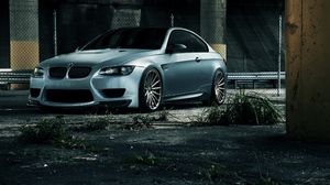 Vehicles BMW 2215x1385 wallpaper
