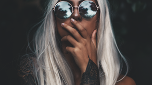 Women Model Blonde Dyed Hair Long Hair Straight Hair Touching Face Glasses Women With Glasses Vertic 1000x1366 Wallpaper