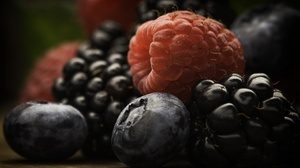Berry Blackberry Blueberry Fruit Raspberry 2027x1290 wallpaper