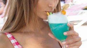 Women Model Blue Eyes Drinking Brunette Drink 1000x1337 Wallpaper
