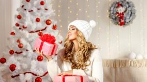 Blonde Christmas Gift Girl Hat Model Woman 4000x2667 Wallpaper