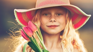 Blonde Blue Eyes Child Freckles Girl Hat Little Girl Smile Tulip 2048x1233 Wallpaper