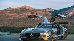 Vehicles Mercedes 2000x1275 Wallpaper