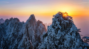 Nature Sky Sunlight Winter Mountains Snow Ice Cold 2048x1291 Wallpaper