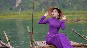 Asian Model Women Long Hair Black Hair Depth Of Field Traditional Clothing Straw Hat Boat River Viol 2000x1333 Wallpaper