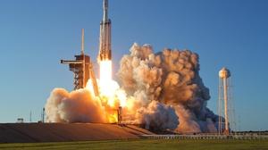Rocket Smoke Falcon Heavy 5616x3744 Wallpaper
