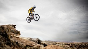 Bicycle Bike Jump Mountain Bike Sport 3888x2592 Wallpaper