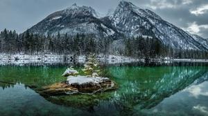 Lake Mountain Nature Reflection Winter 6016x3737 wallpaper
