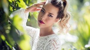 Bokeh Face Girl Lipstick Model Mood Ponytail Summer 2048x1441 Wallpaper